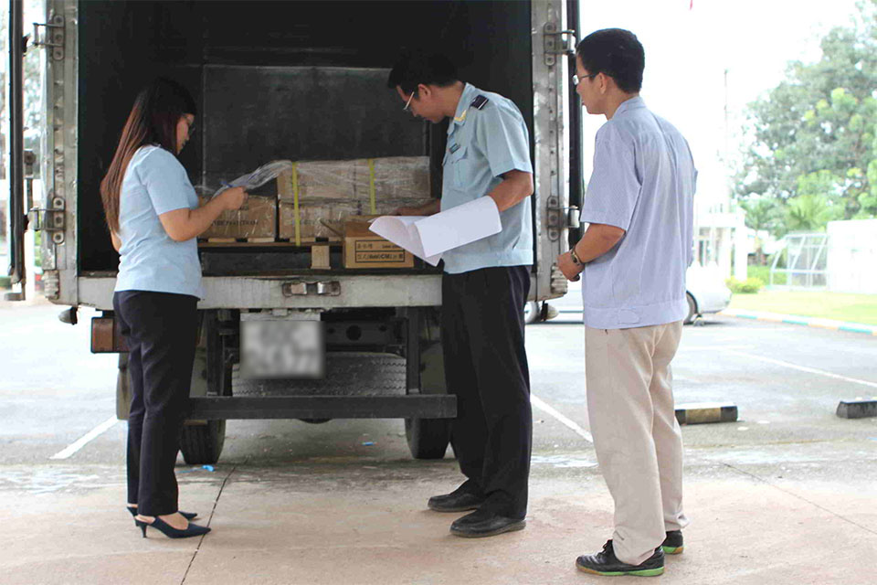 Customs inspection of imported goods in Binh Duong